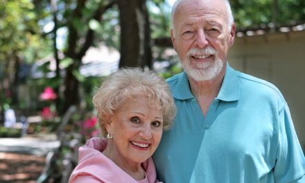 Canadian Seniors Are Using Online Dating Now More Than Ever: Here's Why