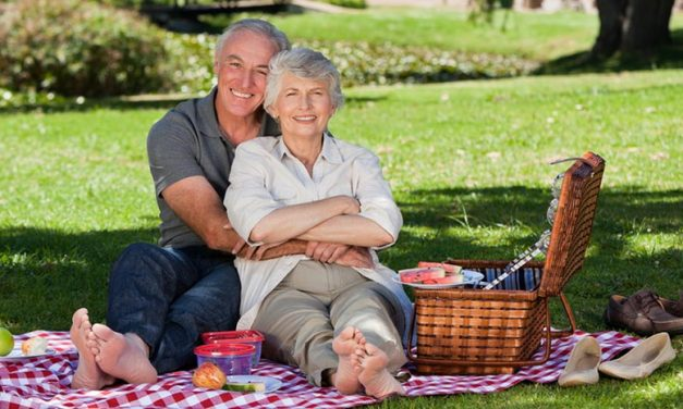 Online Dating For Seniors: From Single To Married In 3 Easy Steps